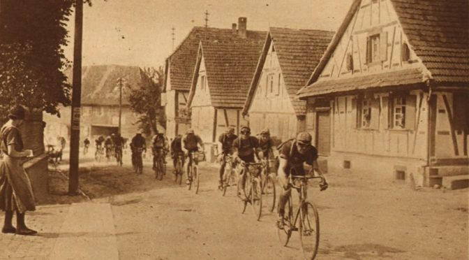 La grande rue de Surbourg en 1926 et en 2018